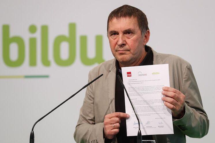 Le coordinateur général d'EH Bildu, Arnaldo Otegi, lors d'une conférence de presse ...