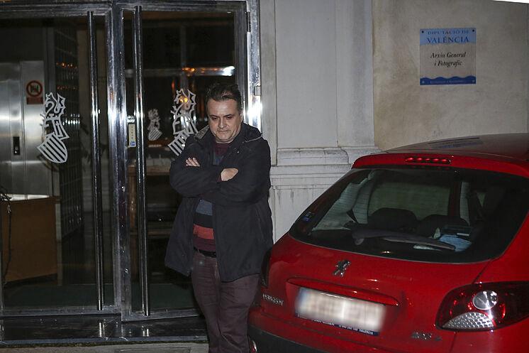 Carles Recio, `chassé & apos; par El Mundo après avoir signé.