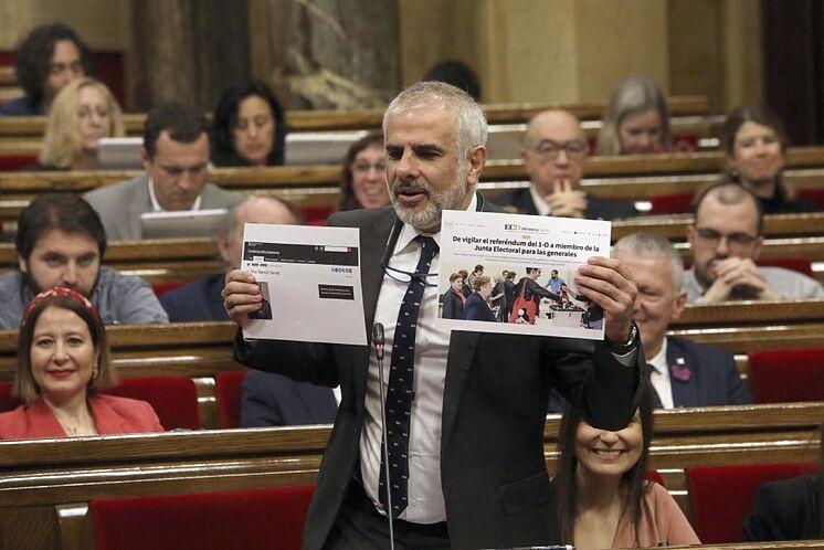 Carlos Carrizosa dans une interpellation