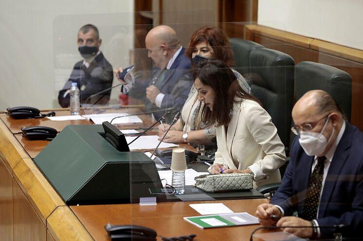 Bakartxo Tejeria préside le nouveau Parlement basque.