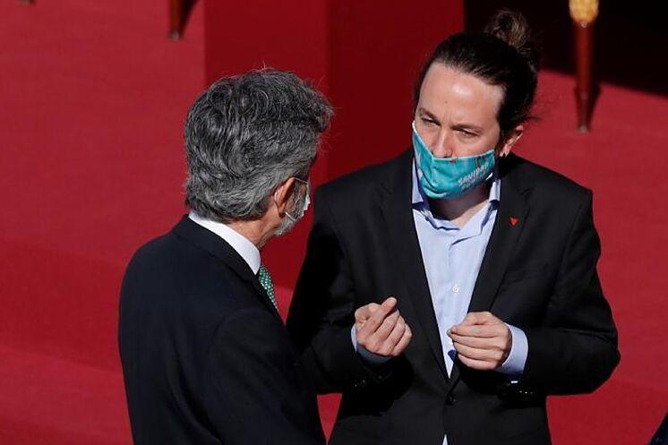 Pablo Iglesias s'entretient avec Carlos Lesmes, président de la CGPJ, hier, ...